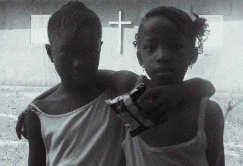 Niñas con cruz, Senegal, 2014