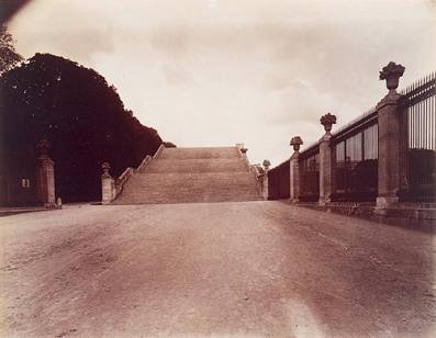 Eugène Atget, Versalle, The Orangerie Staircase, 1901